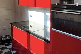 Hoogglans rode keuken geplaatst in Harlingen